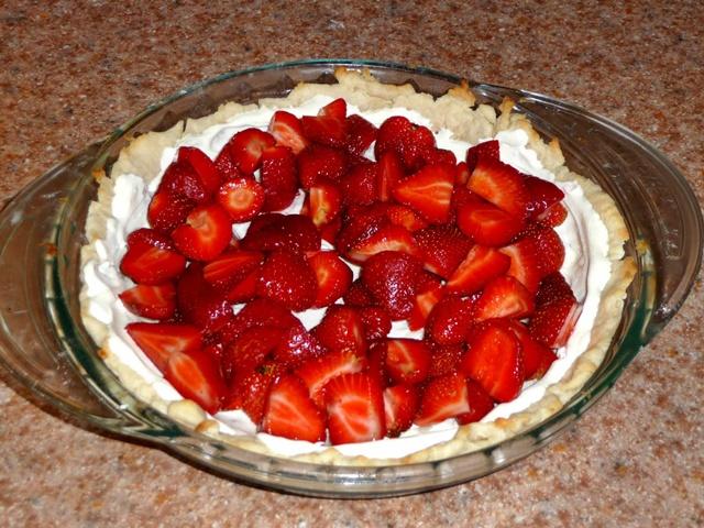Name:  strawberry cream pie pic.JPG Views: 93 Size:  166.7 KB
